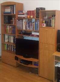 Polica za TV i knjige