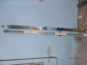 Prodajem skije sa vezovima