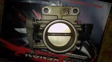 klapna gasa reno 1.6 16v motor sa slike