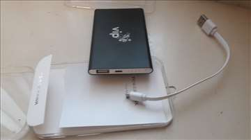 Eksterna baterija za telefon i tablete 5000 m ah