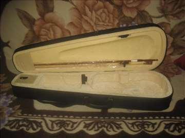 Violinski kofer + gudalo 4999 din za sve