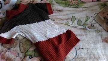 Dva džempera S-M veličine