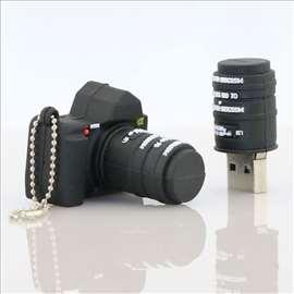 Fotoaparat USB memorija 64GB