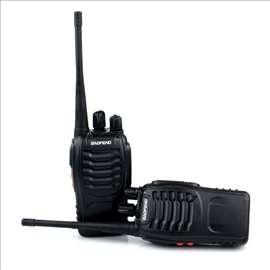Dve Baofeng 888S radio stanice sa opremom