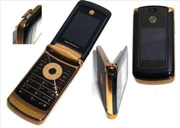 Luksuzni mobilni telefon Motorola RAZR V8 Gold