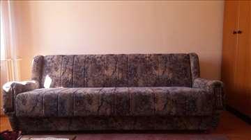 Prodajem 2 kauča