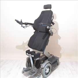 Invalidska kolica sa vertikalizacijom E890v