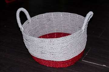 Korpa od kanapa belo-crvena