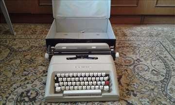 Prodajem pisaću mašinu! Povoljno!