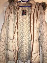 Zimska jakna odlično očuvana