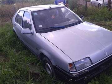 Renault 19 u delovima