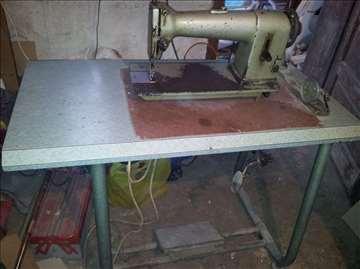 Industrijska šivaća mašina Necchi-Bagat.
