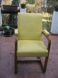 Klasična kozmetička stolica