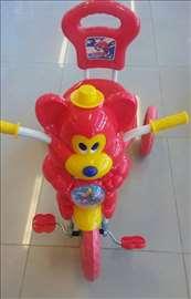 Tricikl za decu crveni meda