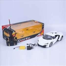 Automobil sa daljinskim upravljačem