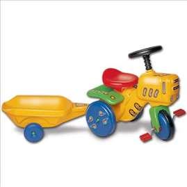 Mali traktor na pedale