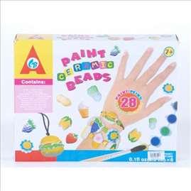 Nakit od keramičkih perli u boji igračka