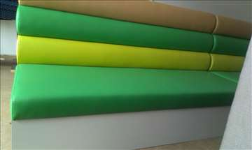 Dvosed tapaciran u tri boje