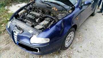 Alfa 147 Havarisana u delovima