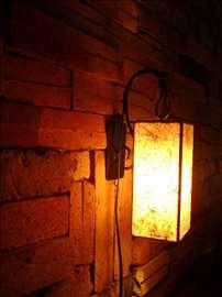 Zidna lampa Bojan