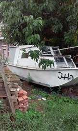 Samogradnja čamac sa kabinom