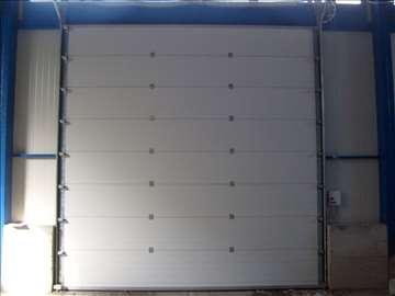 Industrijska vrata sa bočnim motorom