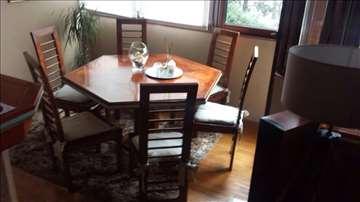Trpezarijski sto sa šest stolica