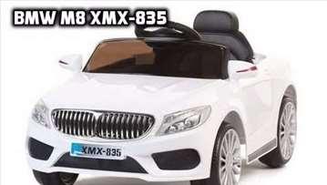 BMW M8 xmx 835  na akumulator sa daljinskim Beli