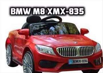 BMW M8 xmx 835  na akumulator sa daljinskim Crveni