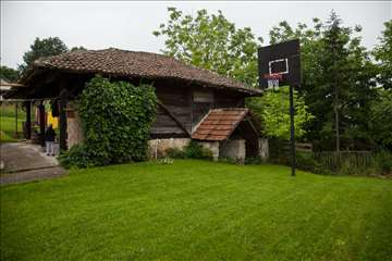 Etno - kačara, kuća, plac