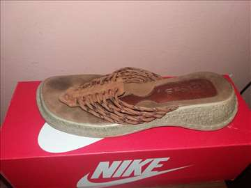 Papuce broj 38