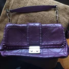 Neverovatno povoljna original Dior torba de lux!