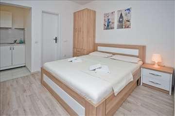 Studio apartmani Bečići, odmor u maju