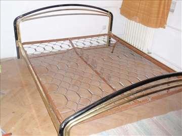 Mtalni bračni krevet
