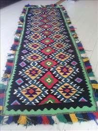 Ručno tkan ćilim od vune