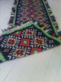 Snižen 80% ručno tkan etno ćilim od vune