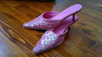 Roze zenske elegantne papuce