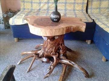Drveni sto