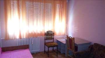 jednokrevetna soba u stanu bez gazde