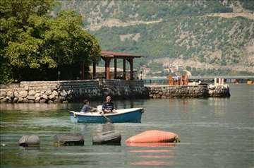 Crna Gora, Stoliv, apartmani uz more