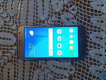 Prodajem Samsung Galaxy J5 gold