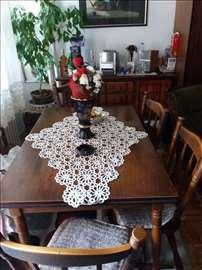 Hitno prodajem trpezarijski sto sa 6 stolica