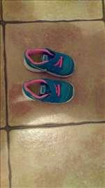 Nike plave patike br 22