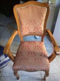 10 stolica
