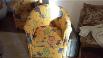 Simpova garnitura krevet  i dve fotelje