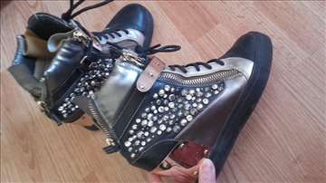 Duboke patike cipele sa punom petom, replika