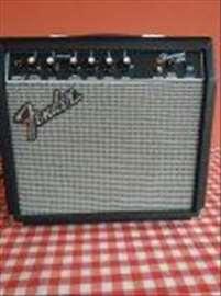 Frontmans 15 G Fender pojačalo