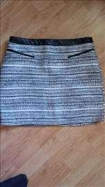 Suknja nova, nekorišćenja, broj 42