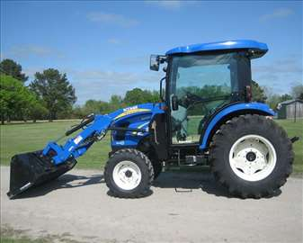 Traktor New Holland BOOMER e305e0