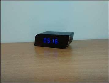 Špijunska kamera stoni sat  gledanje uživo